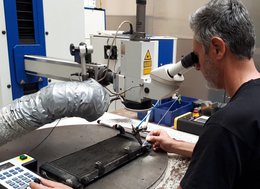 ADS Laser - Rechargement fissure sur radiateur moto